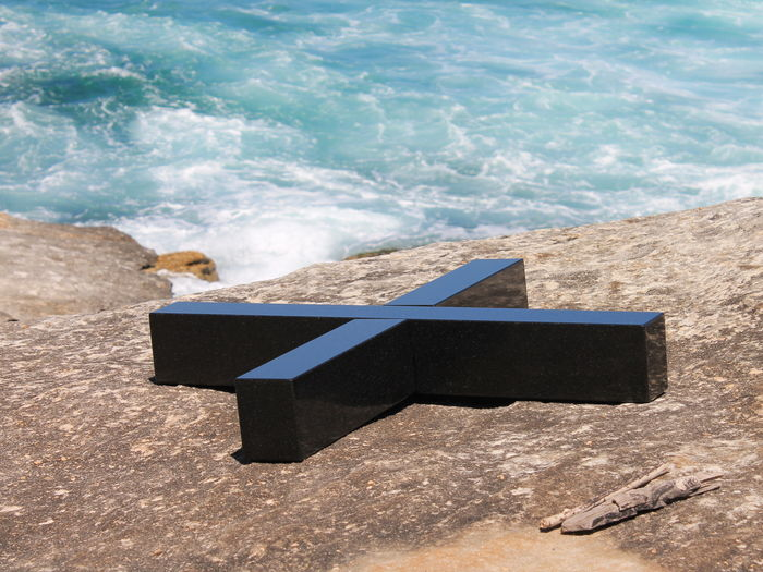 x (Sculpture by the Sea, Sydney Australia)