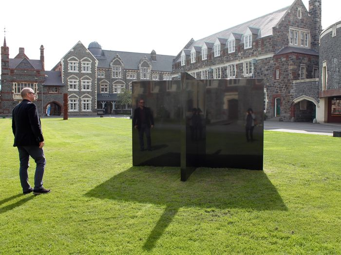 The Kiss, Christ's College NZ SCAPE Public Art 2016